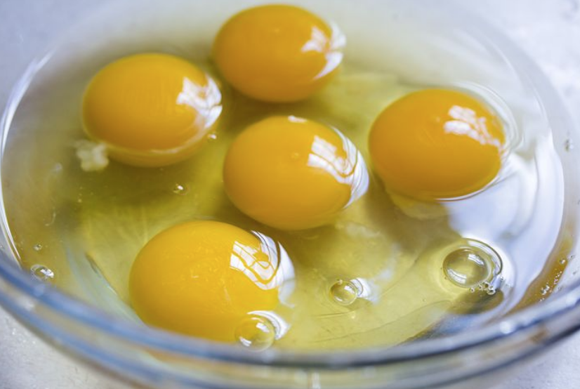 7 GREAT RAW EGGS Benefits, Have 30% MORE Carotenoid Antioxidants, STRONG Cancer-Fighting Properties?